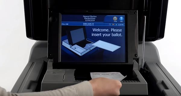 Scanner with screen reading Scanning Ballot Please Wait
